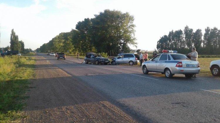 ВБашкирии вжутком ДТП погибли 2 человека иеще 4 пострадали