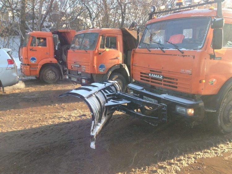 ВУфе сточные воды затопили улицу Златоустовскую