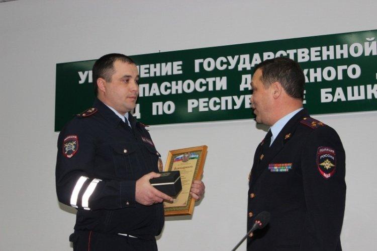 ВБашкирии инспекторы ГИБДД спасли тонущего рыбака