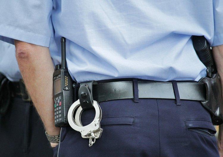 ВУфе подозреваемый вобороте наркотиков при задержании ранил полицейских ножницами