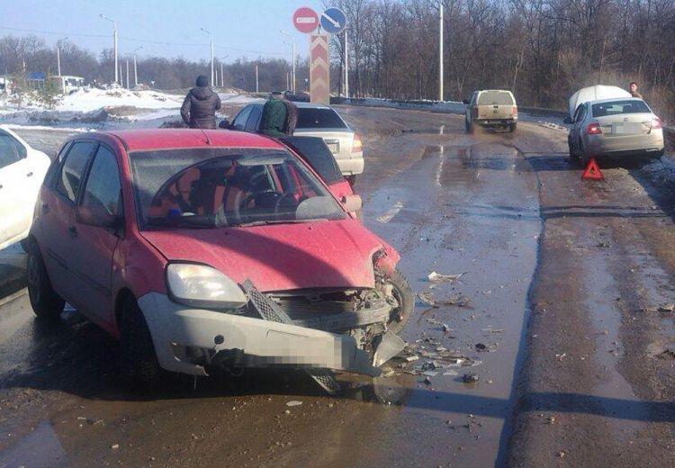 ВУфе из-за водителя, лишенного прав, вДТП пострадала женщина