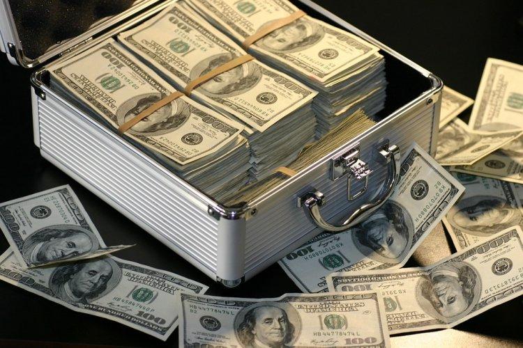 Forbes назвал десять богатейших семей России