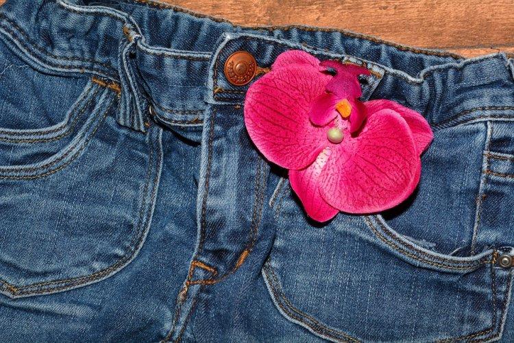 Большинство женских джинсов в России признали качественными