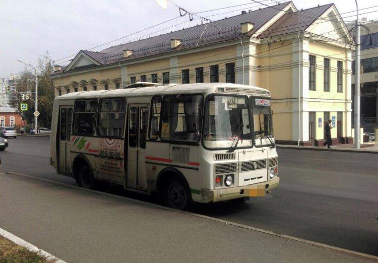 Лишенный прав водитель автобуса совершил ДТП в Уфе