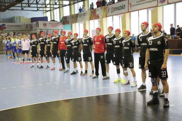 Чемпионат РФ по гандболу: УГНТУ-ВНЗМ одержал победу в Астрахани