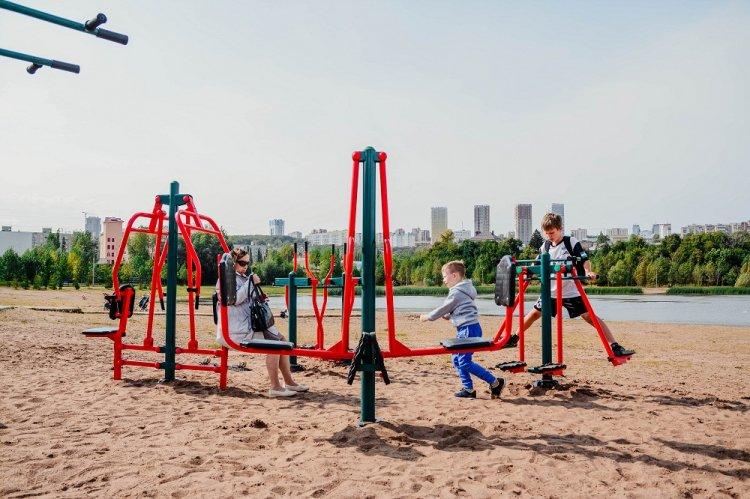 Новые уличные тренажеры установили в уфимском парке «Кашкадан»