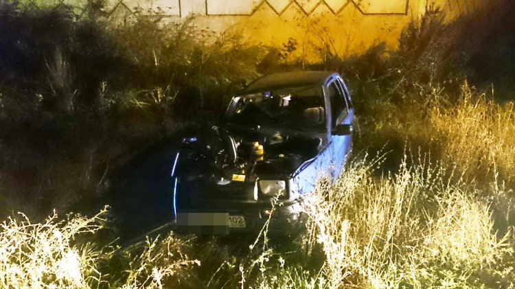 В Стерлитамаке водитель  «Оки»  с признаками опьянения врезался в электроопору и погубил женщину