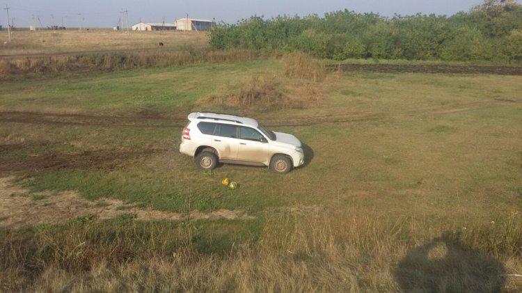В Стерлитамакском районе женщина на внедорожнике вылетела в кювет, есть пострадавшие