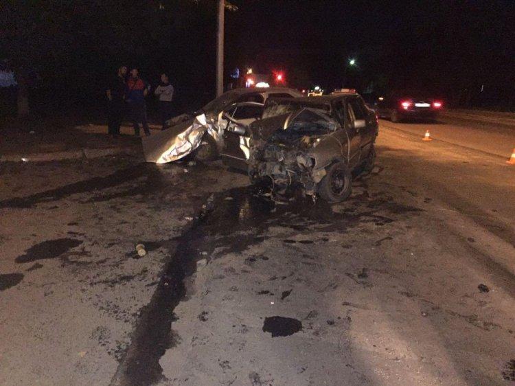 Жуткая авария в Уфе: столкнулись Chery и Renault Logan, 5 человек пострадали