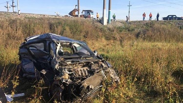 Женщина-водитель погибла в столкновении Renault и поезда в Башкирии