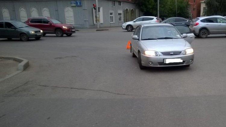 В Уфе автомобиль сбил 42-летнюю женщину