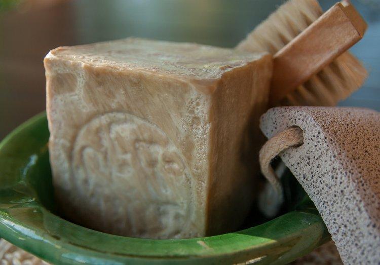 Хозяйственное мыло поможет избавиться от морщин и насморка