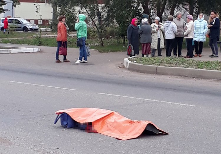 ДТП в Башкирии: одна из иномарок после столкновения насмерть сбила 20-летнюю девушку