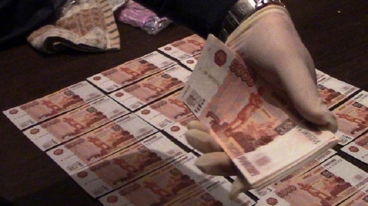 ВУфе утроих фальшивомонетчиков изъяли 450 тыс. руб.