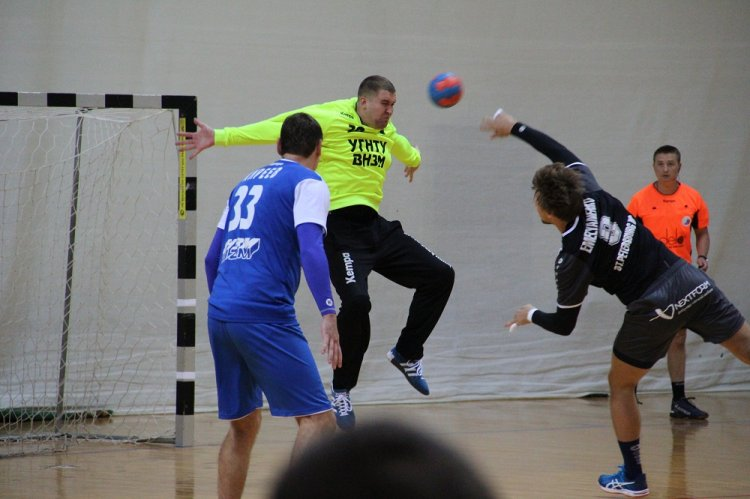 УГНТУ-ВНЗМ проиграл команде «Университет Лесгафта-Нева» в мужской Суперлиге по гандболу