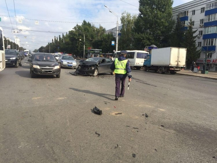 Автоледи устроила массовое ДТП в центре Уфы