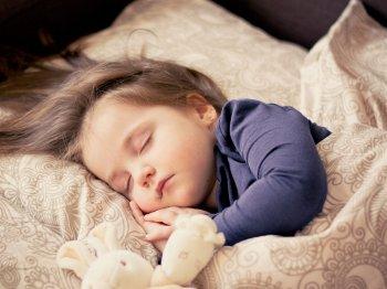Роспотребнадзор опубликовал рекомендации родителям по нормам сна и отдыха школьника
