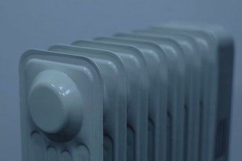 Об условиях пуска тепла в многоквартирных домах