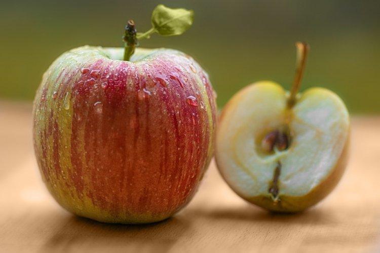 Яблочные косточки несут в себе смертельную угрозу