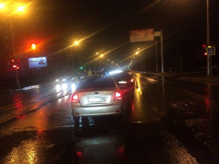 В Уфе  Kia Cerato протаранил попутный Ford, пострадала 14-летняя девочка