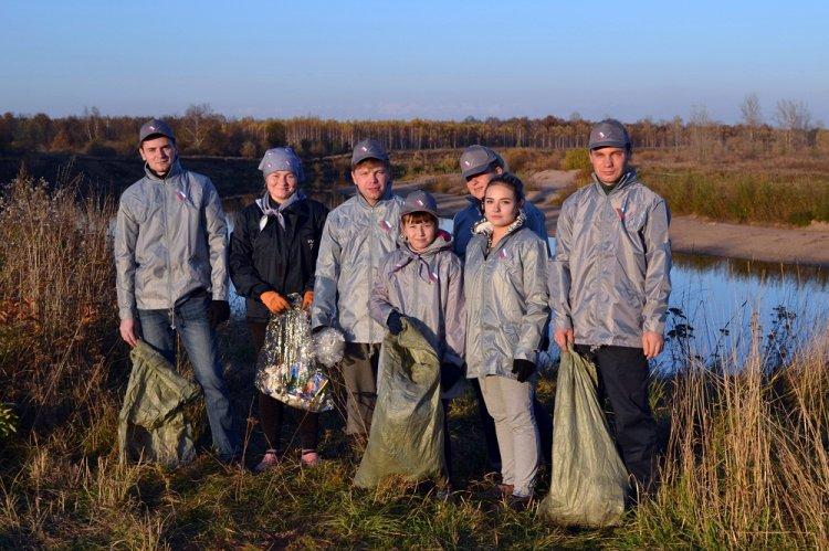 Активисты ОНФ в Республике Башкортостан провели субботник на берегу реки Сим