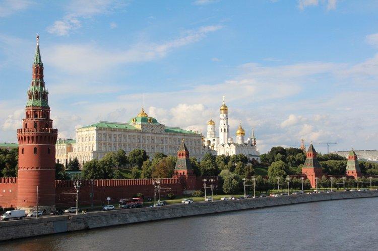 Путин понизил зарплату президента России на 2018 год