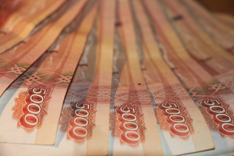 Средняя зарплата работников предприятий Стерлитамака  выросла до 30 197 рублей