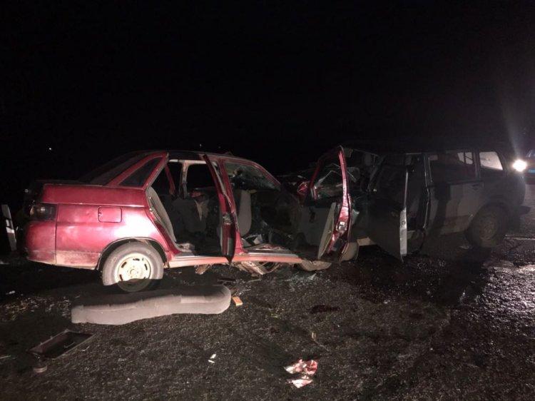 В страшном ДТП в Башкирии погиб молодой мужчина, еще 8 человек пострадали