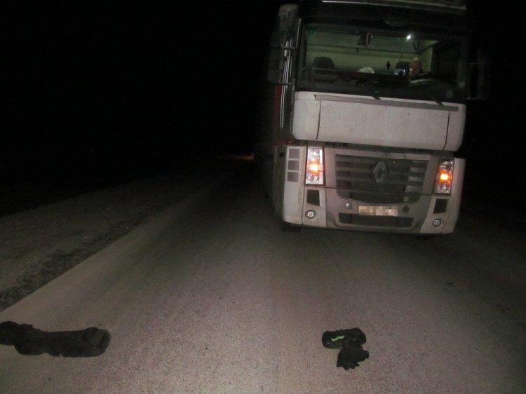 На трассе в Башкирии грузовик насмерть сбил молодого мужчину
