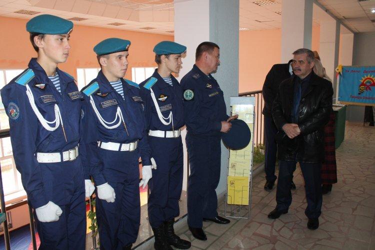 Главный федеральный инспектор по Башкортостану встретился с юными патриотами Дуванского района
