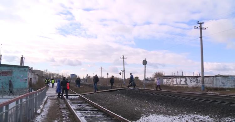 ВБашкирии поезд сбил женщину имужчину, которому стало плохо напутях