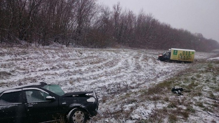 Смертельная авария в Башкирии: Fiat Albea врезался в грузовой фургон