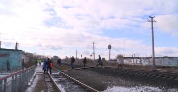 В Стерлитамаке грузовой поезд насмерть сбил мужчину и женщину