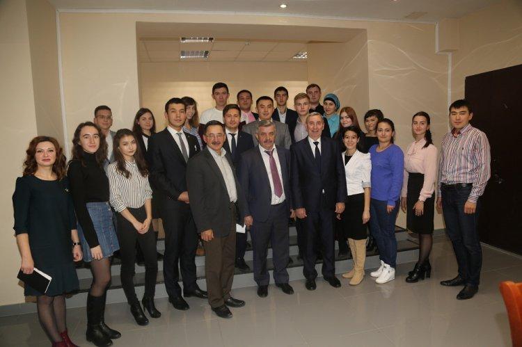 Михаил Закомалдин  провел встречу со слушателями первого курса Малой академии госуправления