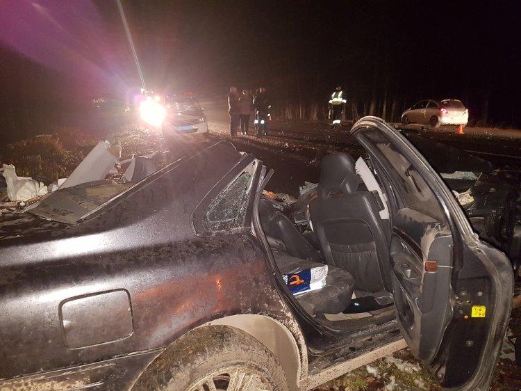 Смертельный обгон: На трассе в Башкирии легковушка врезалась в КамАЗ