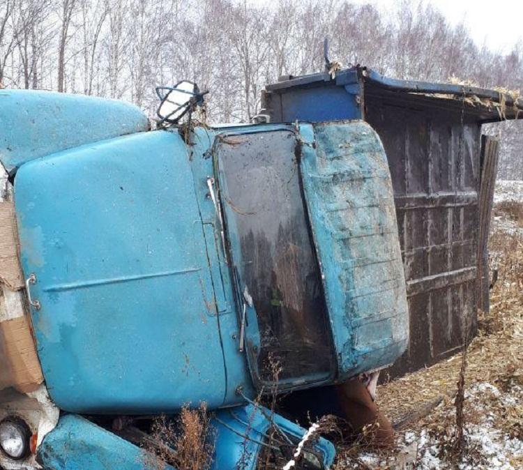 В Башкирии «Опель» врезался в грузовой «ГАЗ», есть пострадавшие