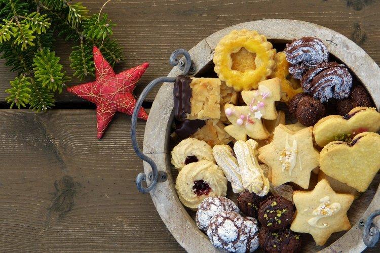 Диетологи назвали простой способ не объедаться в праздники