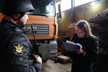 После ареста грузового автомобиля, житель Уфы оплатил задолженность по транспортному налогу
