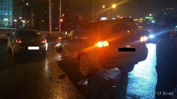 Ночное ДТП в Уфе: Chevrolet Cruze протаранил Toyota Land Cruiser