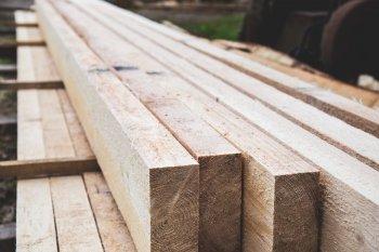 Как защитить древесину от возгорания
