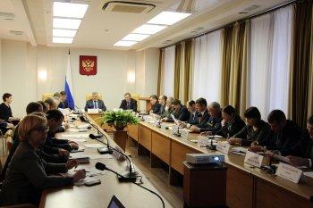 Михаил Закомалдин о долгах по зарплате: вопрос нельзя сглаживать