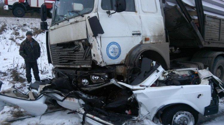 Страшное ДТП в Башкирии: грузовик раздавил легковушку с водителем