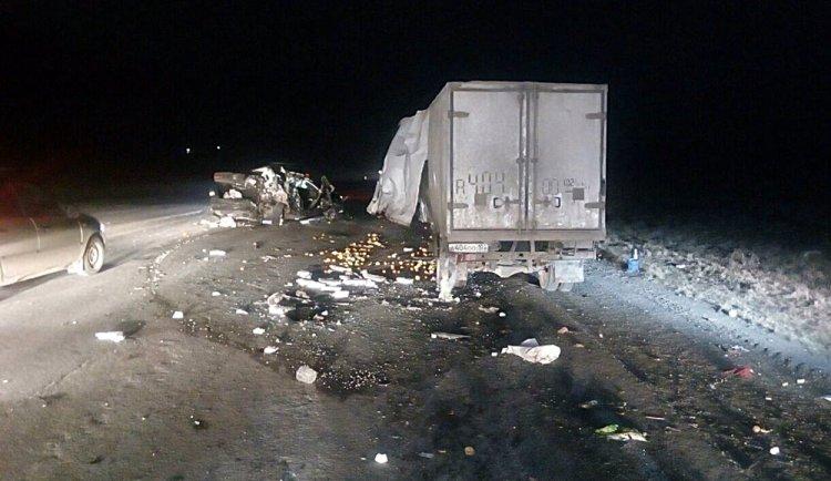 В Башкирии водитель спровоцировал тройное ДТП и сбежал с места происшествия, бросив авто