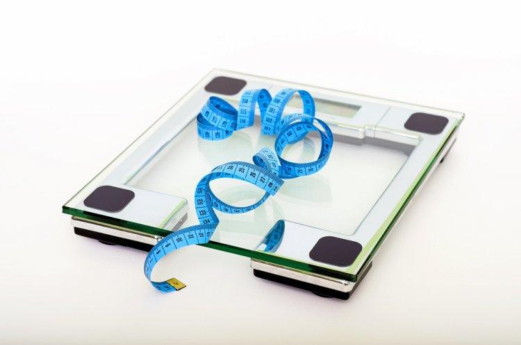 Названа причина увеличения веса с возрастом