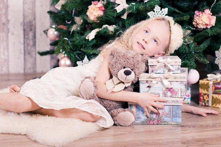 Бюджет российских семей на новогодние подарки детям – до 5000 рублей