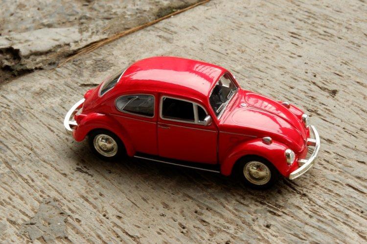 В Башкирии приставы арестовали коллекцию из 200 автомобилей должника