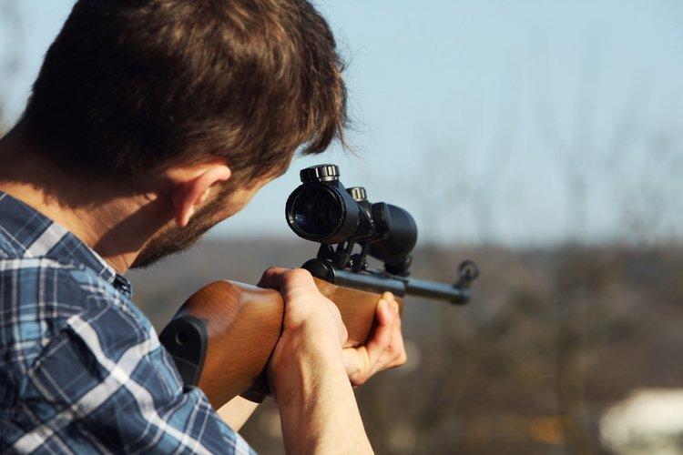 В Башкирии горе-охотник перепутал приятеля с лосем и убил его