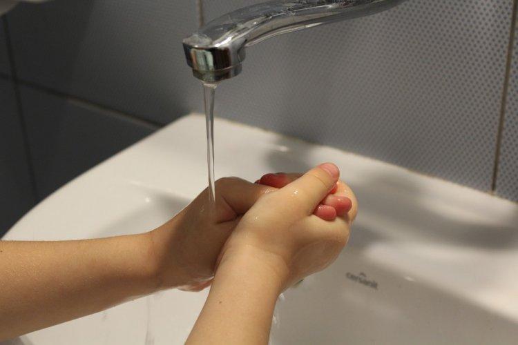 Раскрыт правильный способ мытья рук