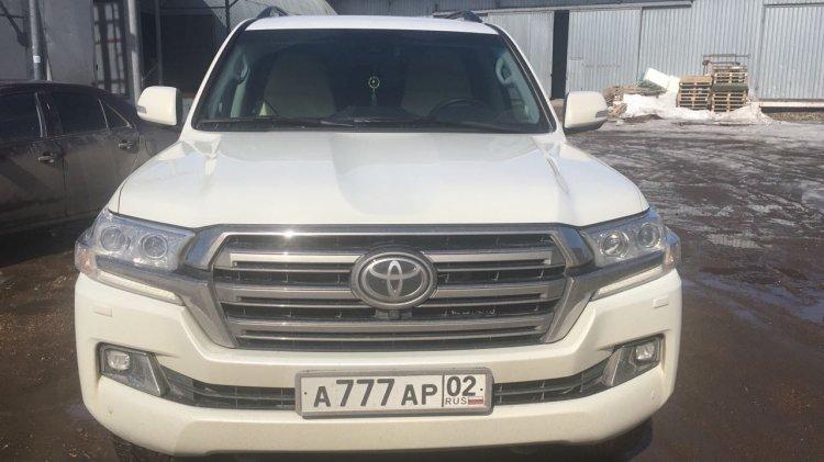 В Уфе неизвестные угнали Toyota Land Cruiser с красивыми номерами