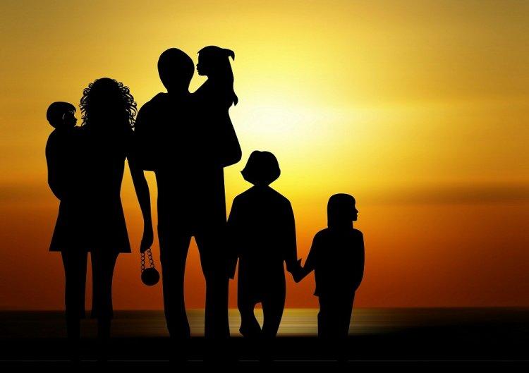 Рустэм Хамитов подписал Указ о мерах по совершенствованию поддержки многодетных семей